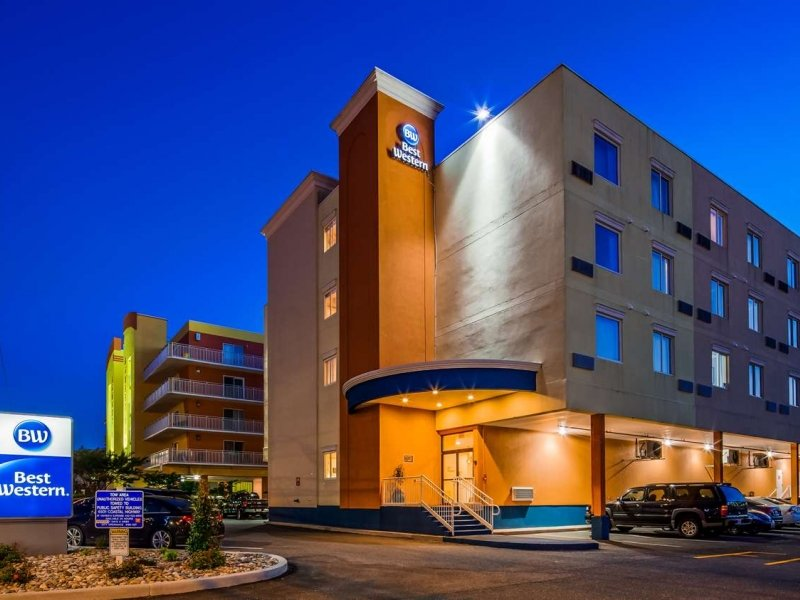 Exterior of Best Western OC MD night time